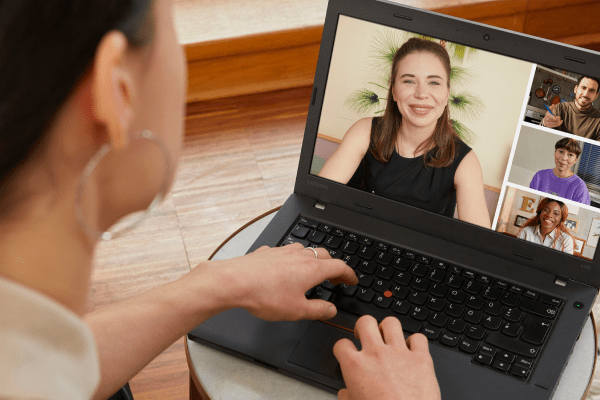Woman using her laptop to join a Babbel Live video class